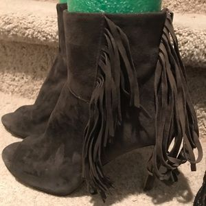 Vince Camuto suede peep toe fringe boots size 8.5